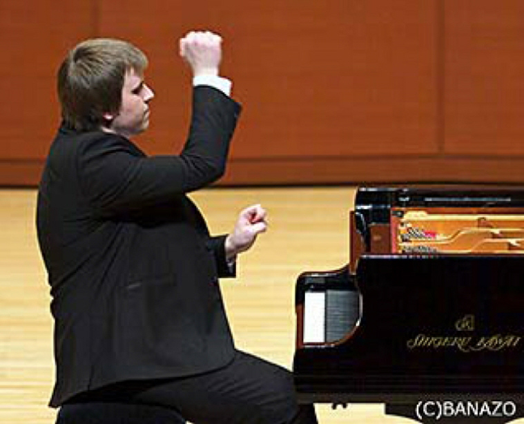 Andrei Shychko was born on October 13, 1994 in Bobruisk, Belarus. He started to study music at age of 7 and is studying at Belarusian State Academy of Music under prof. Natallia Tashchylina. He has received Grand Prize of the 7th International Competition for Young Pianists in St. Petersburg in 2009 and the Grand Prize for the Special Fund of the President of the Republic of Belarus in 2010.